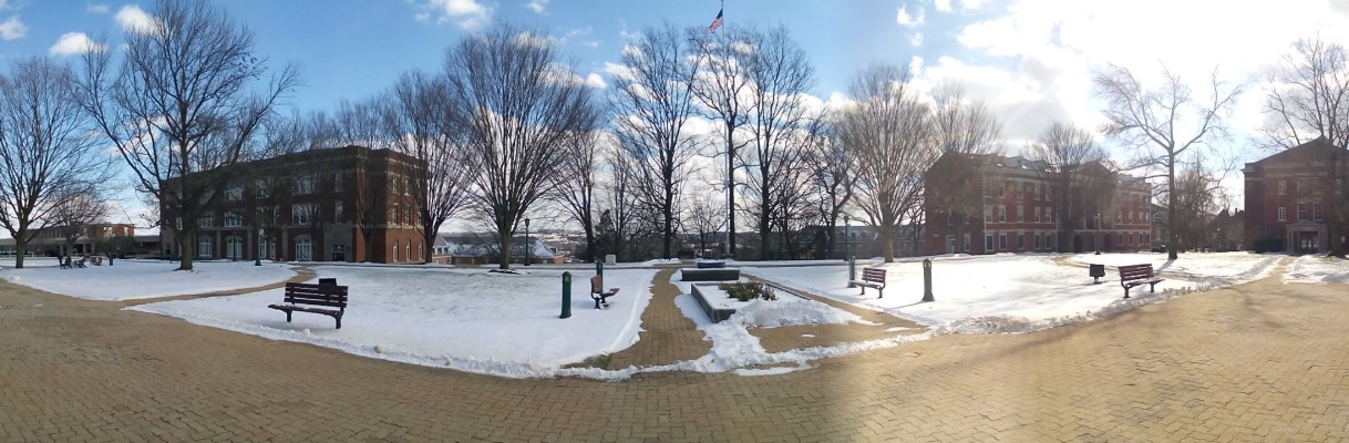 Photo of snow on campus by Jimmy Calderon