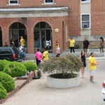 Peer Mentors assist in move-in