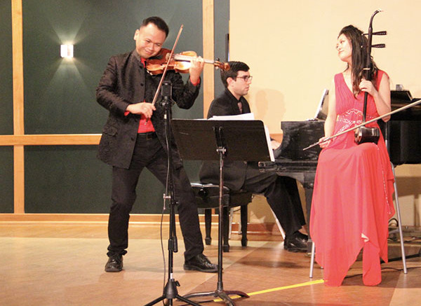 Xiang Gao in the violin and Cathy Yang in the erhu. Photo by Lexi Corral