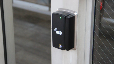A card access system outside the front entrance of Rouzer Hall. (Atticus Rice / McDaniel Free Press).