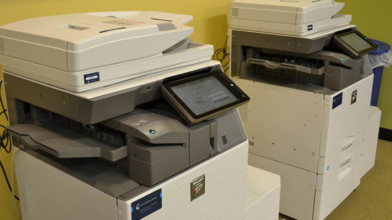 The new printers in Hoover Library work with students' PaperCut accounts. (Marya Kuratova / McDaniel Free Press).
