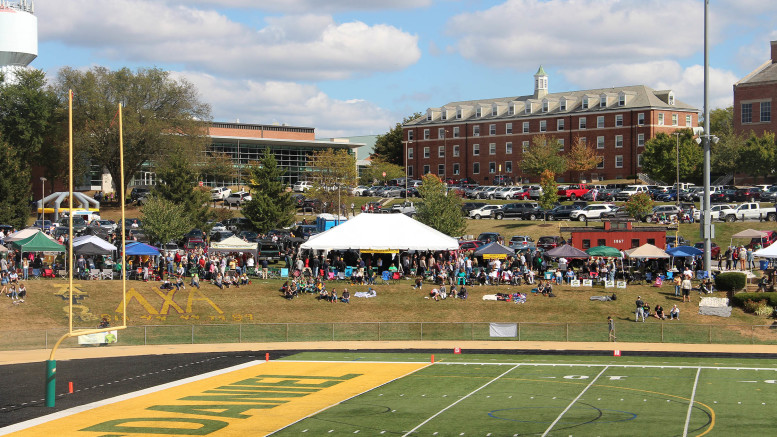 Students, faculty, and alumni set up tents to tailgate the Homecoming football game on Saturday, Oct. 5. (Jordan Wood / McDaniel Free Press).